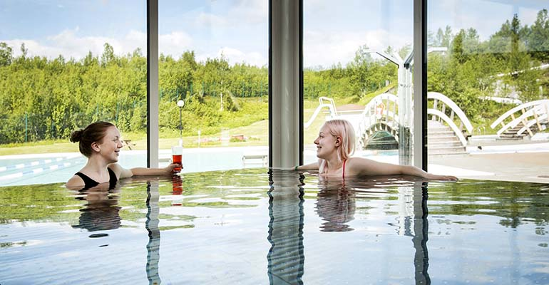 Camp Ripan aurora spa buiten