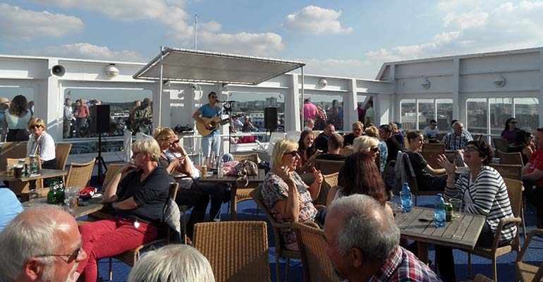entertainment op DFDS boot